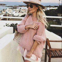 Пуловер в розов цвят